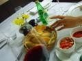 昨日の夕方、顧客訪問後にイタリア料理店へ行きました。K女史が、突然撮影! 「手タレ」気分で写真を撮りました。